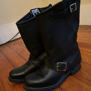 Frye Engineer 12R size 7M